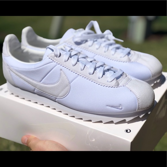 reputable site 50b07 175cb men nike classic cortez sp cheap white and blue shoes